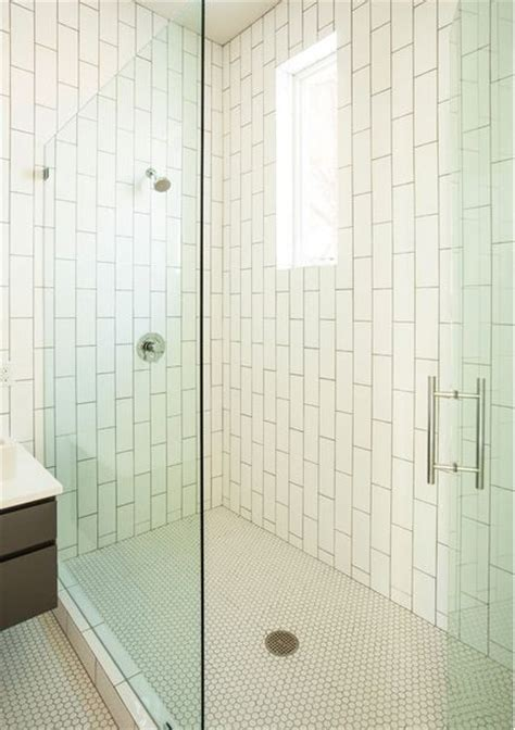 vertical tile bathroom 25 best ideas about vertical shower tile op pinterest