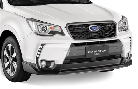subaru forester grill in showrooms now subaru forester 2 0i s autoworld com my