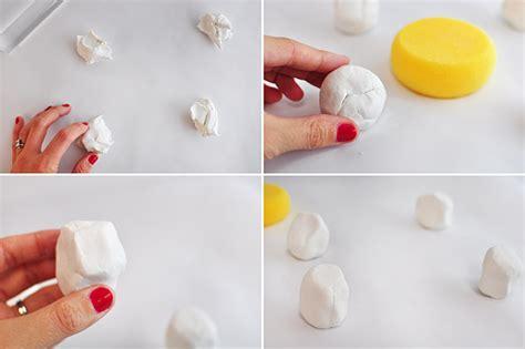 diy photo or place card holders craftbnb diy fabriquer des sous verres et marque places avec de l