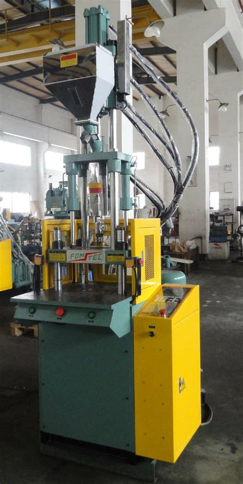 small vertical injection molding machine 40 ton ft 400k