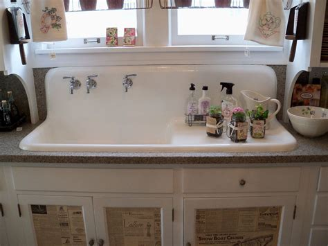 country farm kitchen sinks farmhouse kitchens the farm sink and check out
