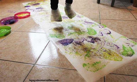 Peinture Sur Papier by Peindre Avec Ses Pieds Et Du Papier 224 Bulles