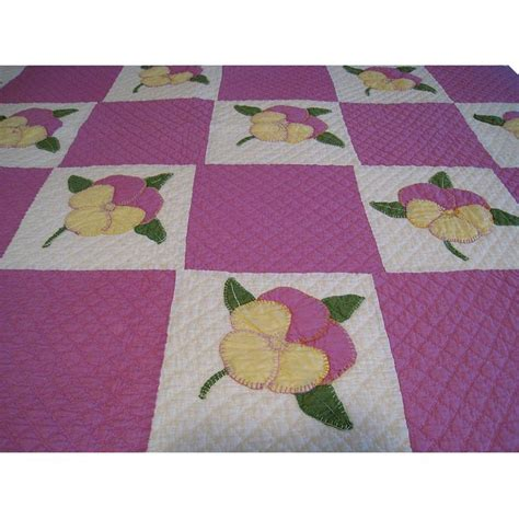 Pansy Quilt by 38 Best Images About Pansy Viool Applique On Nancy Dell Olio Flower Quilts And Quilting
