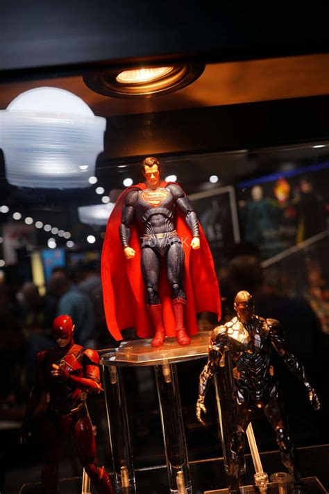 Dc Justice League 2017 sdcc 2017 gallery medicom mafex justice league the toyark news
