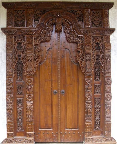 Gebyok Pintu Gebyok Ukir Jawa Pintu Rumah Kusen pintu rumah dengan gebyok utama 2014 info bisnis