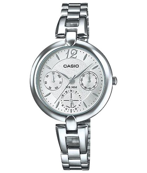 casio looking silver silver wrist for