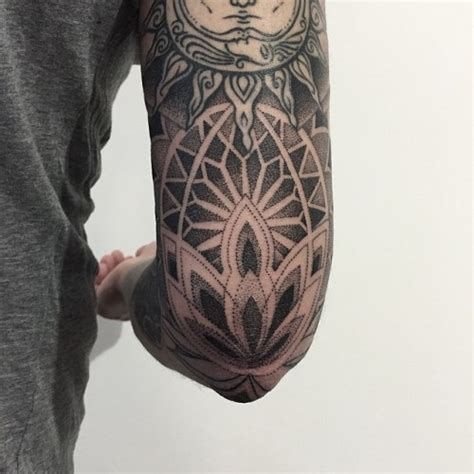amsterdam dotwork geometry tattoos amsterdam dotwork geometry tattoos