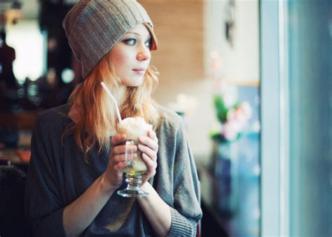 Hipster Girl | column hipster marketing 101 marketing magazine