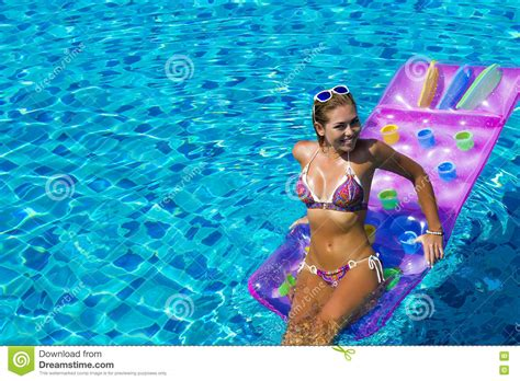 pool matratze pool matratze amazing das bild wird geladen with pool