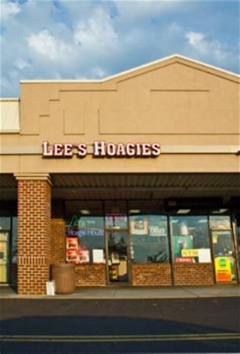 lees hoagie house cheesesteak and fries bild von lee s hoagie house of