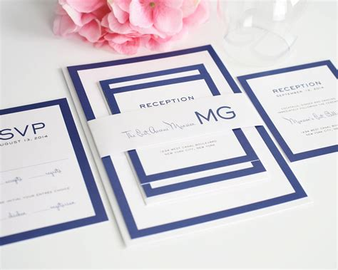 Moderne Hochzeitseinladungen by Modern Wedding Invitations In Blue With Monogram Wedding