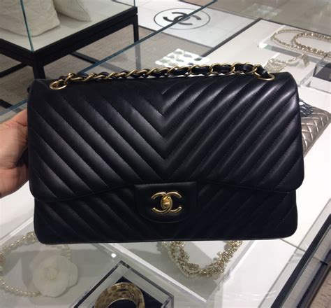 Tas Chanel Mini Top Handle Lambskin Apricot Semprem 8800 chanel 11 12 medium flap bag reference guide spotted fashion