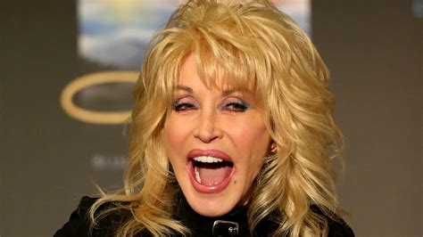 5 style lessons we can learn from dolly parton today