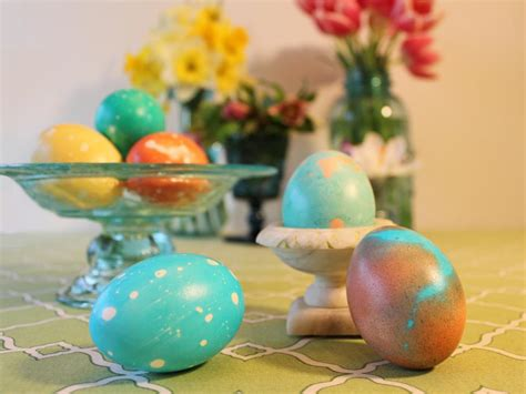decorating easter eggs easter egg decorating ideas hgtv
