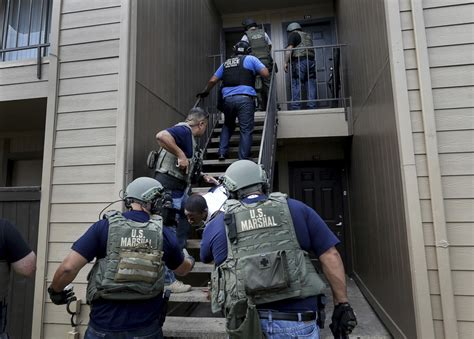 Us Marshal Search Deputy Us Marshal In Houston Spends Days Seeking Suspects The Seattle Times