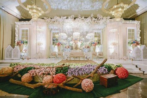 Kombinasi Cantik Pernikahan Adat Jawa dan Minang di PUSDAI