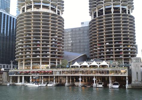 Parking Garages Chicago by Finding Parking In The Chicago Loop When You Re Renting