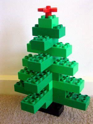 tutorial lego christmas tree best 25 lego tree ideas on pinterest lego christmas