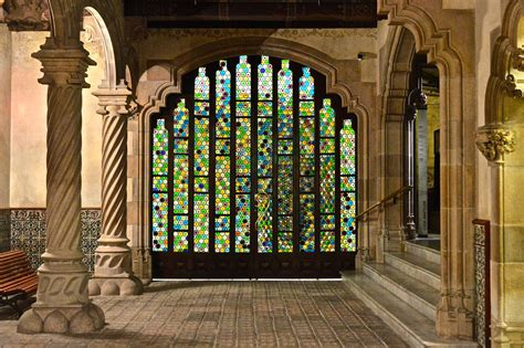 casa amatller file casa amatller foyer jpg wikimedia commons