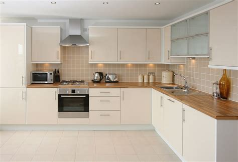 fitted kitchen ideas modern konyha tervez 233 se 233 s kialak 237 t 225 sa 246 tletek p 233 ld 225 k