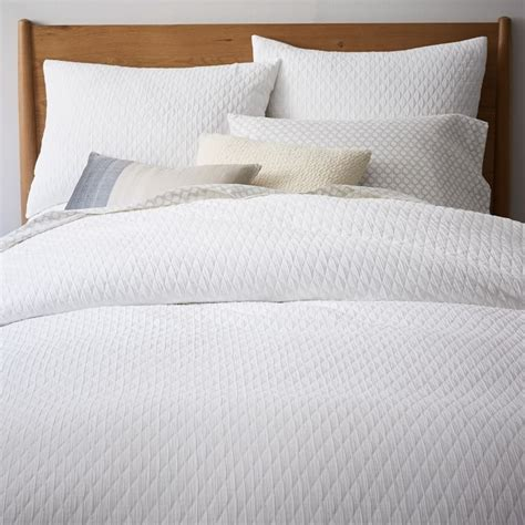 white pattern bed sheets matelasse bedding quicklook matelasse quicklook kelly