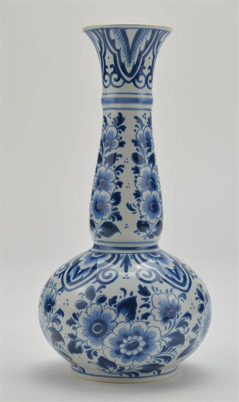 delft blue and white floral vase 391 9 quot