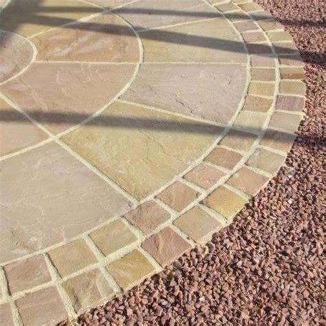 Bradstone Patio Slabs by 25 Best Ideas About Sandstone Paving On