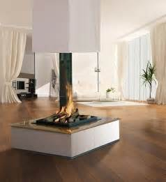 offener kamin mit glasscheibe bespoke central glass fireplace contemporary indoor