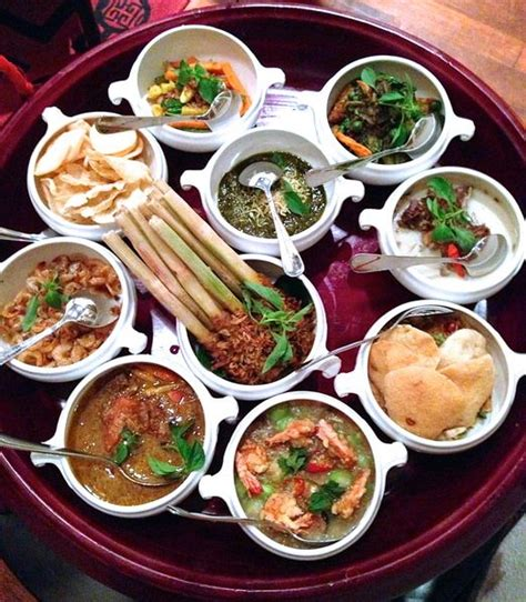 202 best images about indonesian food on pinterest 39 best images about rijsttafel feast on pinterest