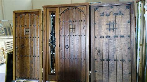puertas de madera rusticas para interiores rusticos y madera puertas de madera