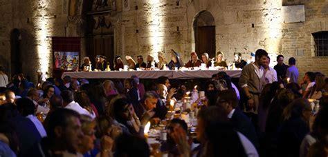banchetto medievale il convivio delle gaite cena medievale 25 aprile a