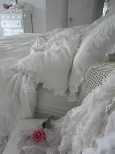 shabby chic bedroom accessories 33 sweet shabby chic bedroom d 233 cor ideas digsdigs