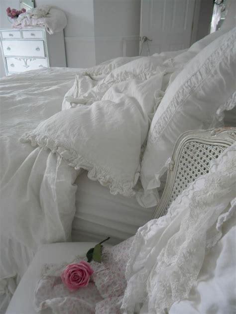 33 sweet shabby chic bedroom d 233 cor ideas digsdigs bedroom ls shabby chic 28 images 33 sweet shabby chic