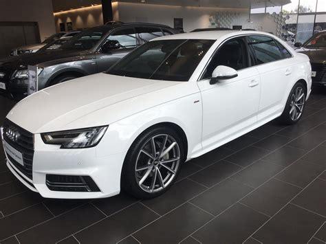 White or white Audi Sport.net