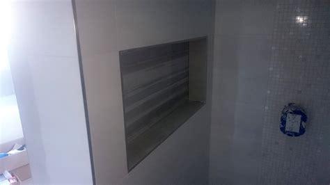 Badezimmer Fliesen Nische by Badezimmer Ausbauen Badfliesen Badm 246 Bel Armaturen