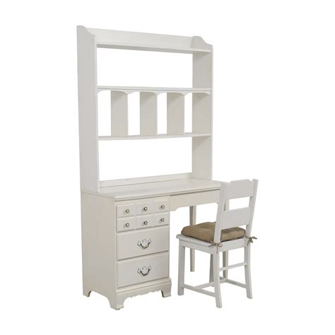 41 Off Lea Lea White Wood Three Drawer Desk With Hutch White Wood Desk With Hutch