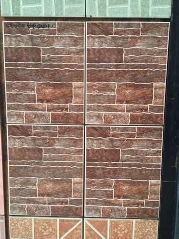 keramik dinding motif bata expose