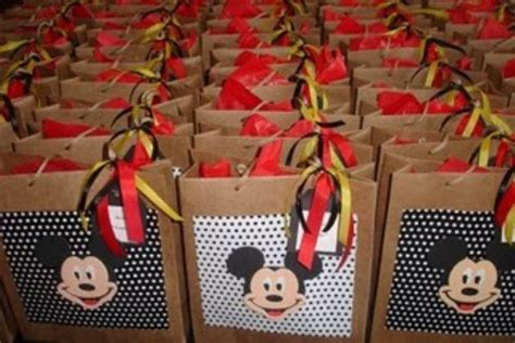 sacolinha surpresa para festa infantil pictures to pin on pinterest sacolinha surpresa de aniversario id 233 ias