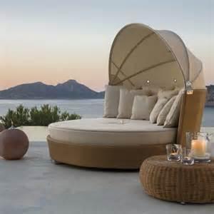 Oasis Patio Furniture Romantic Outdoor Wicker Daybed Contemporary Patio