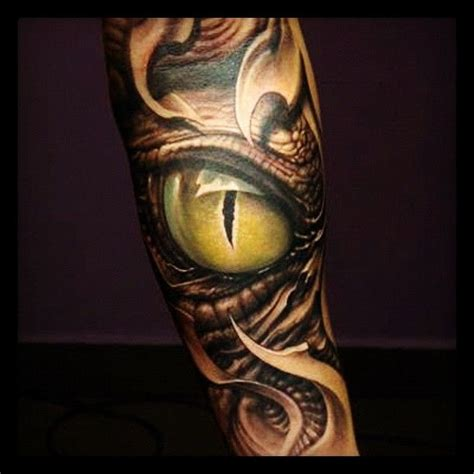 tattoo eye leg lizard looking eye tattoo on leg eyes pinterest