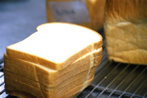 cara membuat makanan ringan dari roti tawar cara membuat roti tawar empuk lembut paling mudah resep