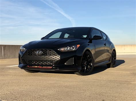 Stylish and Sporty: 2019 Hyundai Veloster Turbo R Spec Review
