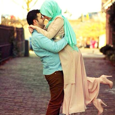 couple pic see also 100 muslim wedding dresses with hijab