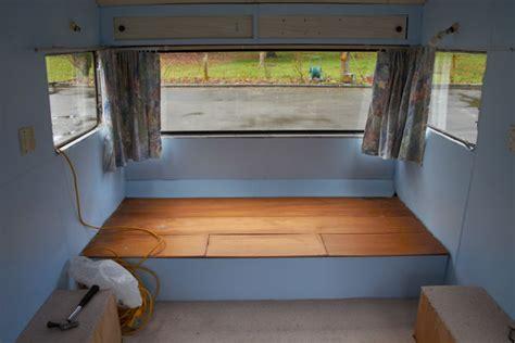 Caravan Interior Paint by Mobile Graphic Design Office
