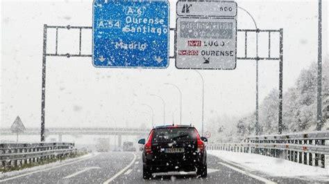 dgt carreteras cortadas una treintena de carreteras cortadas por el temporal de