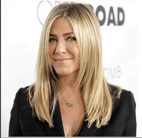 Jen Aniston Hairstyles by Aniston S Best Hairstyles The Years
