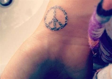 tattoo peace sign designs peace sign tattoos high fashion update