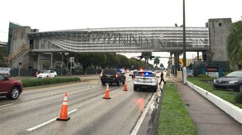 Of Miami Mba Us News by Pedestrian Bridge Installed Us 1