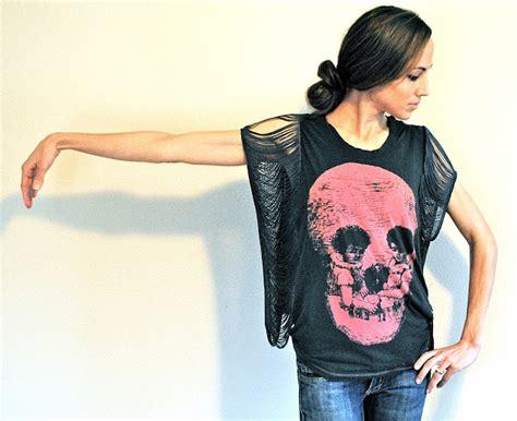 Diy Fringe T Shirt Ambrosia Trash To Couture Diy Fringe Sleeve Seam