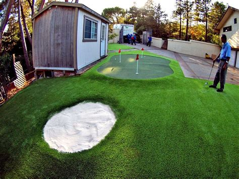 artificial  synthetic putting greens installation
